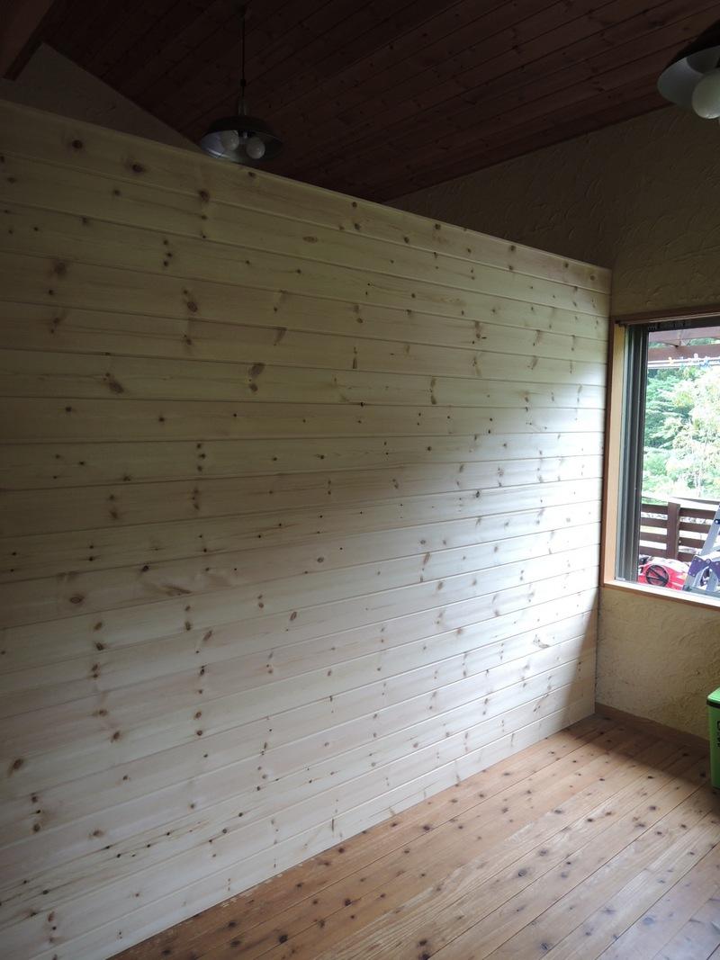 自然素材リフォーム 子供部屋の仕切り壁伊勢原で無垢材を使った